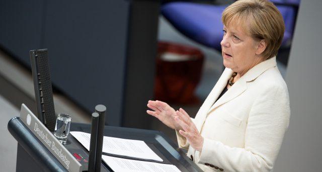 L'accordo per formare il quarto governo Merkel in Germania non convince nessuno, a destra e a sinistra. Forti i mal di pancia e nessun dettaglio su conti pubblici ed Europa. La cancelliera punta solo a galleggiare un po' per poi dimettersi.
