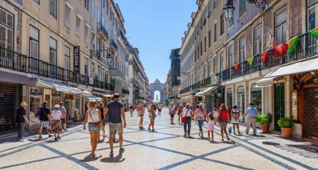 L'economia del Portogallo vola ai massimi del Millennio, trainata dalle esportazioni e, in particolare, dal boom del turismo. E proprio la contestata austerità ha favorito il boom.