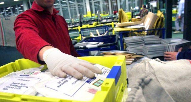 Nexive ha annunciato che il primo esperimento sarà effettuato a Napoli, i pacchi si potranno ritirare presso le stazioni di servizio.
