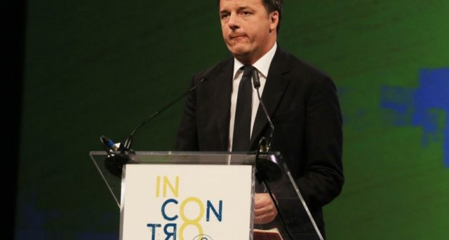 Il PD scivola ancora nei sondaggi e adesso Matteo Renzi teme di crollare verso il 20%, specie se Emma Bonino andasse meglio del previsto. E così, rispunta il pericolo fascista.