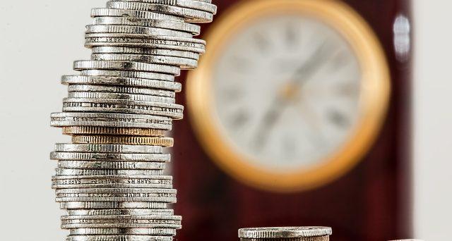Segnalazione per movimenti sopra 10mila euro all'Unità di Informazione Finanziaria.