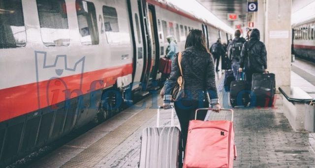 Ipotesi di alleanza tra Alitalia e Ferrovie dello stato, con il rischio che i passeggeri si ritrovino vittime di una stangata sui biglietti.