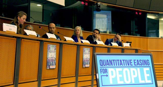Dopo la riunione della Bce, la situazione rimane incerta. Mercati in attesa di ulteriori indicazioni da Draghi