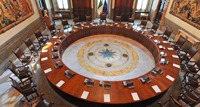 Sui conti pubblici sembra già tutto scritto, indipendentemente da chi andrà al governo. Ecco come gli ultimi governi hanno ipotecato il futuro degli italiani.