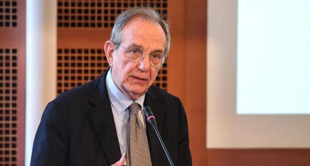 Il Def del ministro dell'Economia, Pier Carlo Padoan, non avrà legittimazione politica propria e dovrà trovare adeguato sostegno in Parlamento. Ma chi e su cosa lo voterà?