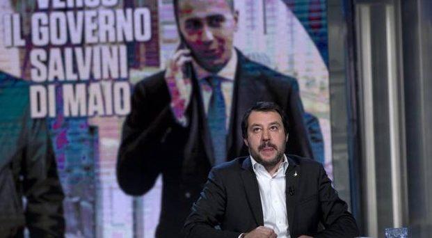 Matteo Salvini avrebbe più chance di Luigi Di Maio di andare al governo, anche se non necessariamente come premier. Ecco perché il centro-destra sarebbe in vantaggio sul Movimento 5 Stelle.