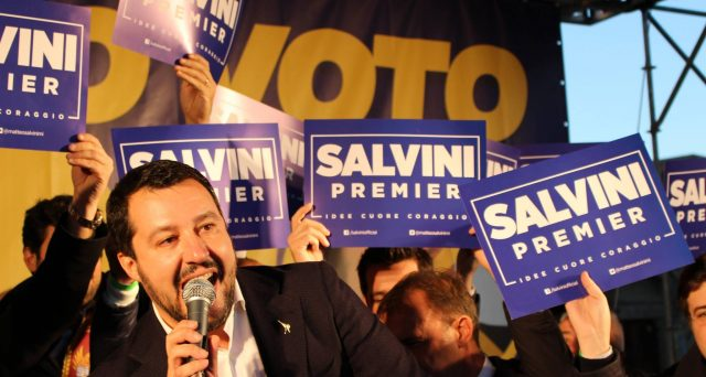 Le azioni Mediaset crollano a Piazza Affari, mentre quelle di Telecom Italia salgono di poco e in controtendenza rispetto all'andamento generale del listino. Perché l'esito delle elezioni sta colpendo Cologno Monzese?