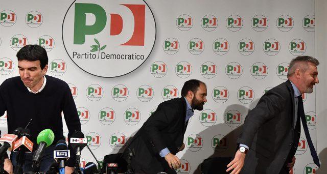 La direzione del PD oggi dovrebbe bocciare qualsiasi alleanza con un governo del Movimento 5 Stelle. Matteo Renzi mediterebbe l'uscita dal partito e la formazione di un gruppo