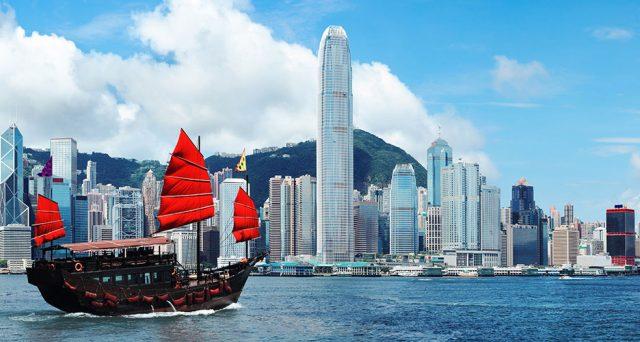 Il dollaro ora destabilizza Hong Kong