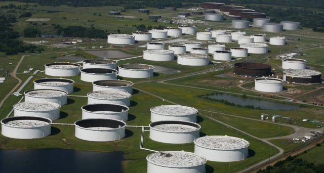 Il petrolio americano quota al maggiore sconto da tre mesi rispetto al Brent. Eppure, i contratti WTI starebbero diventando poco significativi per captare l'equilibrio tra domanda e offerta negli USA.