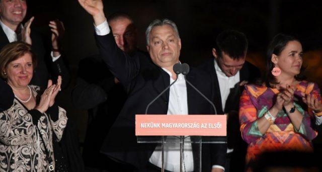 L'Ungheria si riaffida ancora a Viktor Orban, l'arcinemico dell'Europa dei commissari. Sinistra in ginocchio in tutta la UE, dove avanzano i partiti euro-scettici e