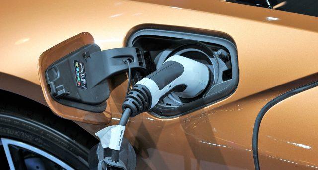 Previsti numerosi incentivi qualora si decidesse di acquistare un veicolo ibrido o elettrico, l'idea del nuovo Governo.