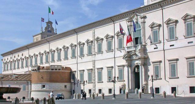 L'Italia si è rivoltata contro la vecchia classe dirigente e di tornare indietro non vorrebbe sentirne parlare. Siamo a un nuovo 1992, frutto di 25 anni di cattivi governi e di stagnazione economica.