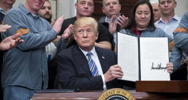 I dazi dell'amministrazione Trump non risolveranno il problema del deficit commerciale americano. Per farlo, bisognerà raddoppiare i risparmi delle famiglie.