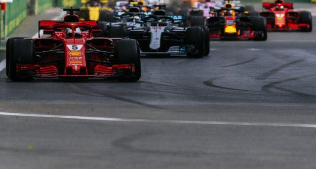 Formula 1, pochi sorpassi e la FIA tenta di modificare le regole per rendere appetibile lo spettacolo. E dal Gran Premio di Spagna, le monoposto sbarcano su Twitter. Pronta anche la fantacalcio delle corse.