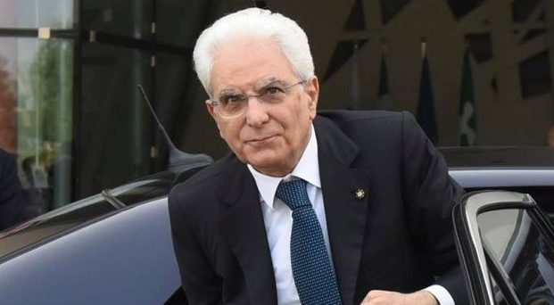 Il governo di tregua voluto dal presidente Sergio Mattarella non serve davvero a nulla, se non a perdere tempo. L'Italia ha bisogno di scelte difficili, non di messinscene istituzionali.