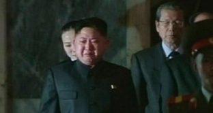 Le lacrime di Kim Jong-Un per la miseria dei nordcoreani