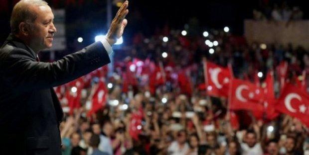 Lira turca in caduta libera sulle tensioni finanziarie che stanno colpendo Ankara. Preoccupa il presidente Erdogan, che si teme possa portare la Turchia a una deriva argentina.