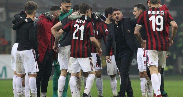 La deludente stagione del Milan costringe i rossoneri a giocarsi il tutto e per tutto fino all'ultimo minuto. L'accesso all'Europa League resta essenziale per un club con entrate sotto i 200 milioni e con sanzioni UEFA in arrivo.