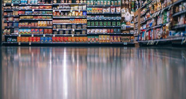 Il trucco del prezzo nascosto, stesso costo ma meno quantità di prodotto, tutta colpa della shrinkflation?