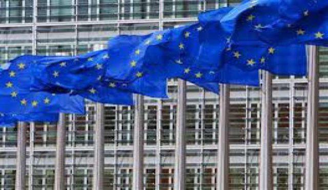 Diventare cittadini Ue pagando: migliaia di passaporti a russi, arabi e cinesi