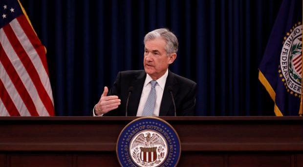 Banche centrali alle prese con tassi e stimoli monetari. Stasera è la volta della Federal Reserve, seguita domani dalla BCE e dopodomani dalla Bank of Japan. Ecco le previsioni.