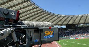 Diritti TV Serie A, il calcio italiano resta fermo