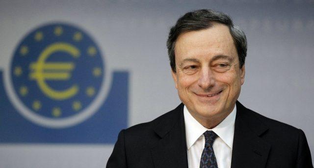 La fine degli stimoli è stata annunciata, ma non è detto che la BCE darà davvero seguito all'annuncio. Da qui alla fine dell'anno potrebbero esservi sorprese. Le proiezioni macroeconomiche lo confermerebbero.