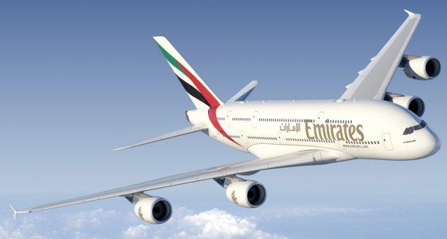 Arrivano i voli senza finestrini di Emirates che costeranno meno e cambiano il modo di viaggiare.