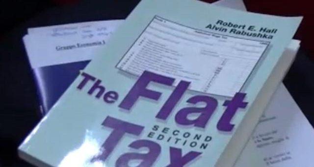 La flat tax verrà prima per i liberi professionisti e dopo per le famiglie? Il rischio è che arrivi dopo il reddito di cittadinanza. Ecco perché serve subito il taglio delle tasse e solo dopo eventualmente un po' di assistenza.