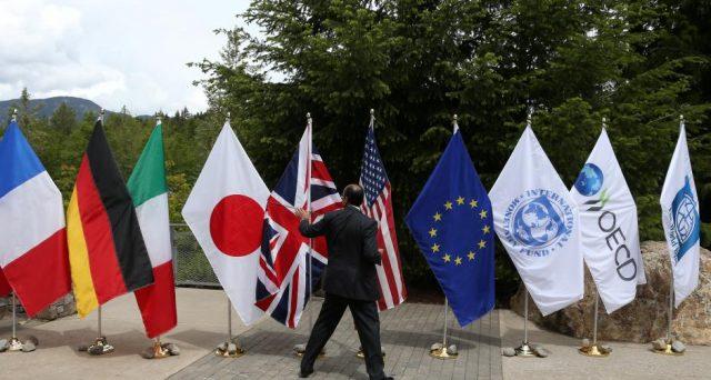 L'economia mondiale si trova in condizioni ragionevoli ma deve affrontare sfide future, come le tensioni commerciali e le aspettative di crescita