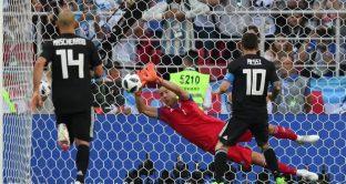 L'Islanda batte l'Argentina fuori dal campo