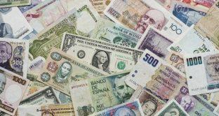 Lira turca e peso argentino continuano ad affondare sui mercati dei cambi. La fiducia degli investitori, una volta intaccata, non è facile che venga ripristinata.