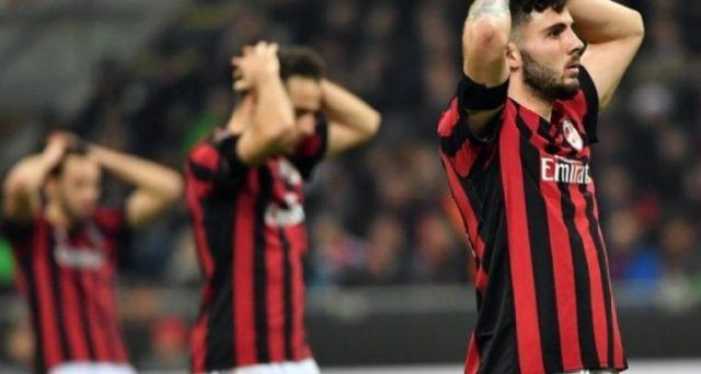 Il Milan rischierebbe l'esclusione dall'Europa League come massima sanzione UEFA. Il club rossonero potrebbe rimanere vittima di tensioni nel calcio internazionale. E il calcio italiano vive un momento nero.