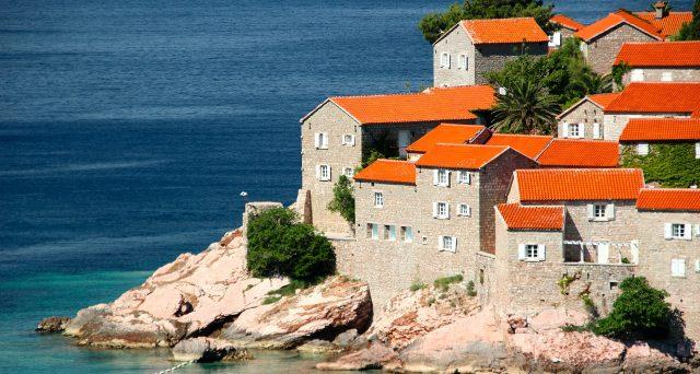 Boom del turismo low cost, quanto spendono gli italiani in vacanza e dove vanno.