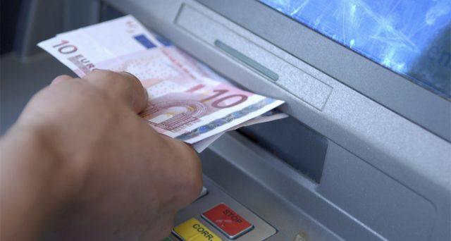 La lotta al denaro contante miete vittime potenziali tra chi preleva troppo o poco con il bancomat. Siamo tutti concorrenti del Grande Fratello fiscale.