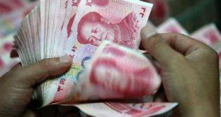 Lo yuan sempre più debole contro il dollaro