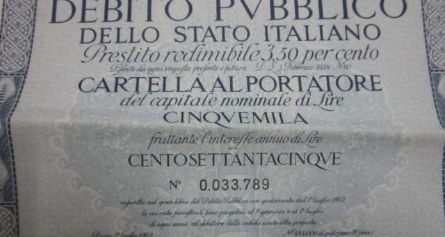 Il debito pubblico italiano sarebbe di quasi 500 miliardi più alto con il ritorno alla lira. Ecco perché la sovranità monetaria non è la soluzione ai mali dell'Italia.