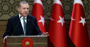 Lira turca aggiorna minimi storici