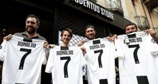 Cristiano Ronaldo alla Juve, una maglietta venduta al minuto
