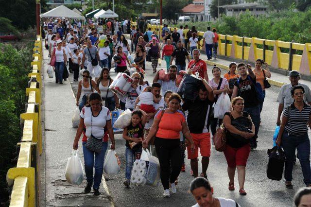 In Venezuela per un kg di carne rossa servono 2 stipendi e mezzo, popolazione alla fame