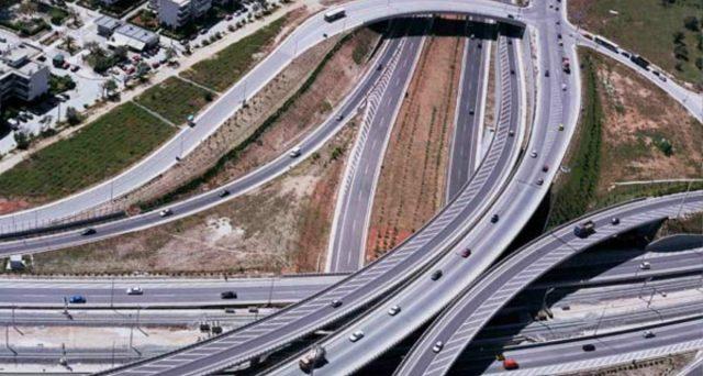 La tragedia del ponte crollato a Genova ha rilanciato il tema dei bassi investimenti in Italia. Tra vincoli di bilancio e ricette sui generis per finanziare un maxi-piano in infrastrutture, sorgono diverse preoccupazioni.
