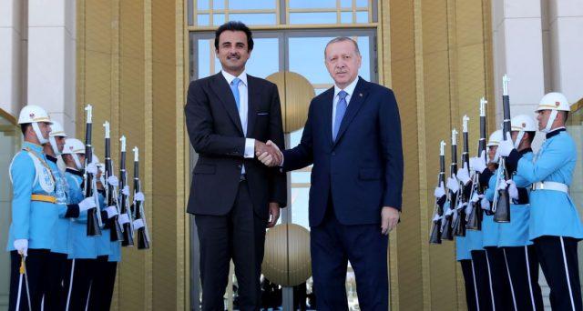 La crisi turca potrebbe persino peggiorare con lo spostamento delle alleanze internazionali da parte del governo di Ankara. La lira recupera, ma non illudiamoci.