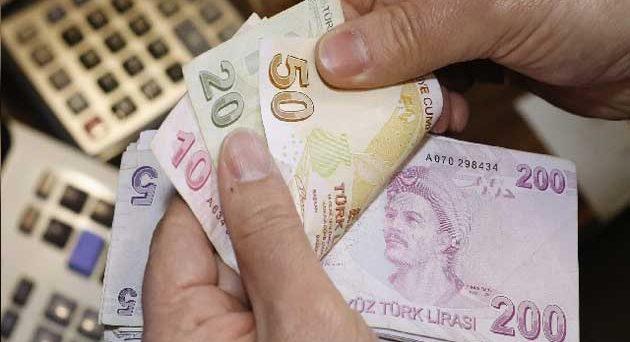 Crollo inimmaginabile per la lira turca nella mattinata di oggi. Il cambio arriva a perdere il 13,5% contro il dollaro. Ormai sembra necessaria una riunione d'emergenza della banca centrale.