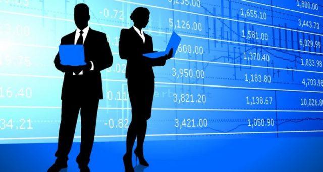 Trading online, da oggi in arrivo nuove regole europee a difesa dei piccoli investitori. E, invece, rischiano di colpire proprio chi ha pochi capitali. Ecco perché.