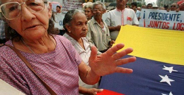 Venezuela, pensionati pagati con certificati in oro
