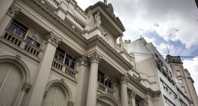 Argentina nel caos, cambia ancora il governatore centrale