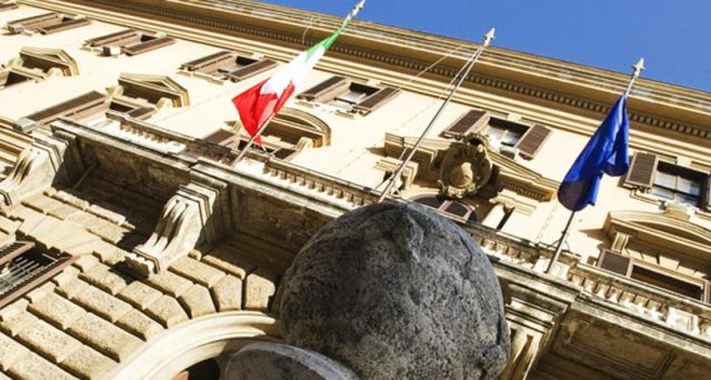 L'Italia emetterà un BTp in dollari