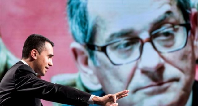 La manovra fa litigare Di Maio e Tria, ma il vero problema per l'Italia sarebbe l'arrivo di una nuova recessione. Lo scenario andrebbe ben oltre la crisi dello spread già vista.