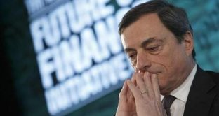 La BCE lancerebbe l'operazione twist da gennaio, con cui acquisterà titoli più a lunga scadenza. La curva dei rendimenti si farebbe più piatta e i governi sarebbero più contenti. Mario Draghi dovrà salvare (ancora) l'euro.